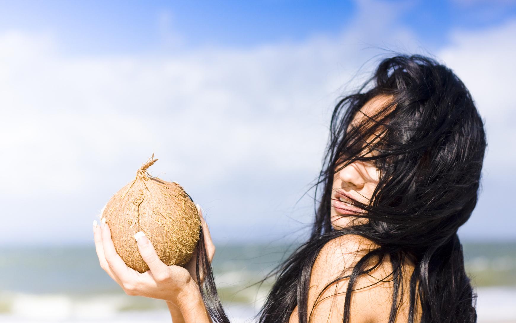 Uleiul de cocos – secretul exotic al frumusetii