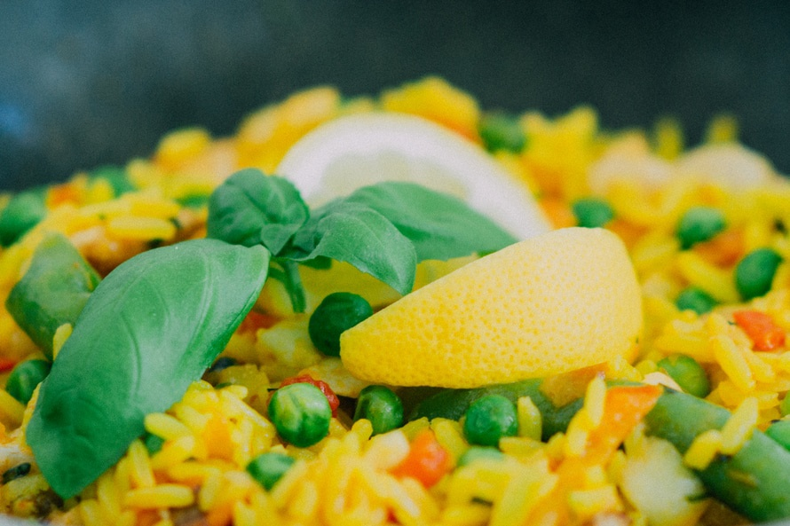 O metoda de preparare a orezului, cu continut scazut de calorii