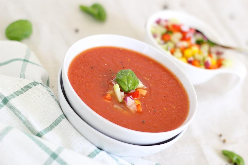 Ce supe sunt potrivite in sezonul cald si cum le preparam