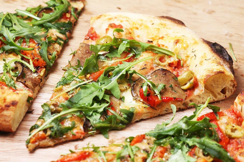 Cum transformam pizza intr-un fel de mancare nutritiv