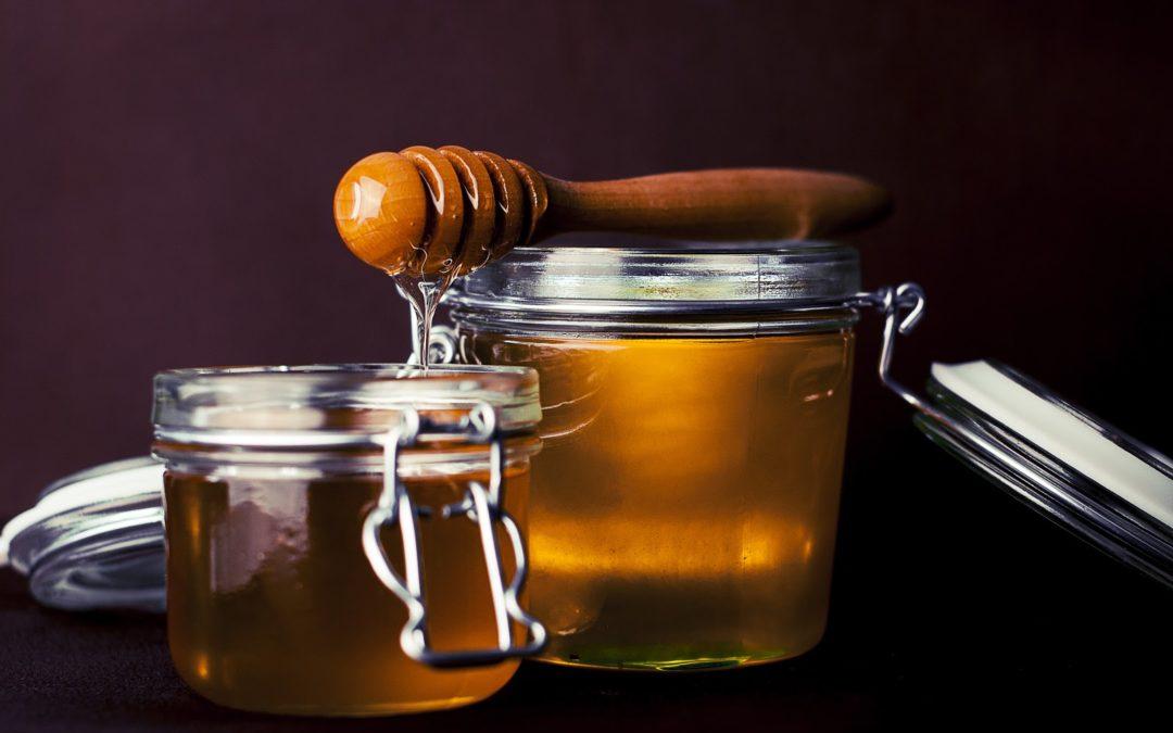 Ce particularitati au mierea de Manuka, mierea organica si mierea bruta