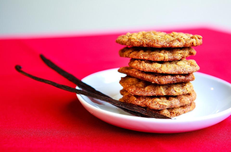 Biscuiti digestivi cu faina integrala, ulei de cocos si scortisoara