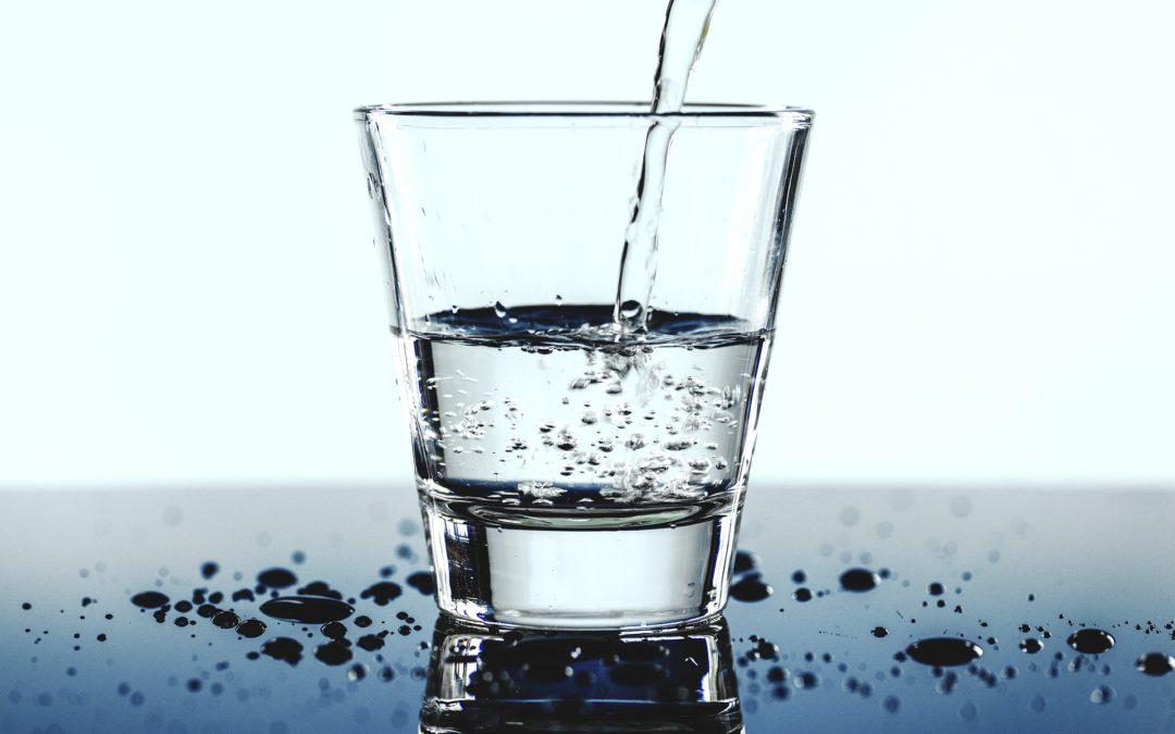 Cata apa trebuie sa bem pe zi?