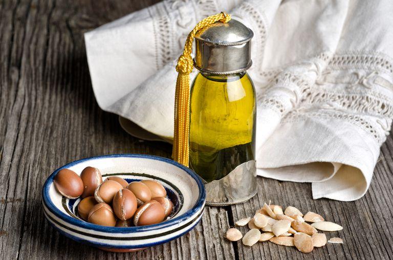 Uleiul de argan pentru par, piele si gatit